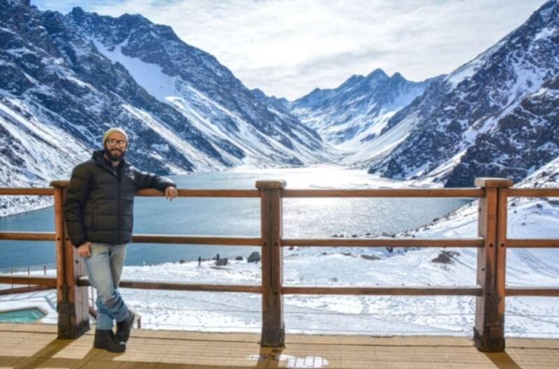 A day trip to the Chilean town of Portillo, which boasts snow fields and a big lagoon.